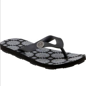 UGG-Black & Gray New With Box Flip Flop Sandals-7